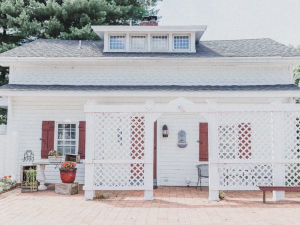 Tranquility Cottage – Romantic Jacuzzi & Fireplace Suite in Lancaster PA